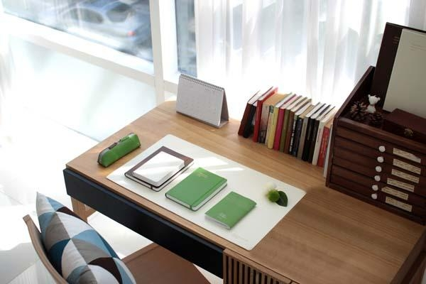 white desk pad