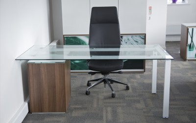 Decorating Office Space at Work with Glass Computer Desks