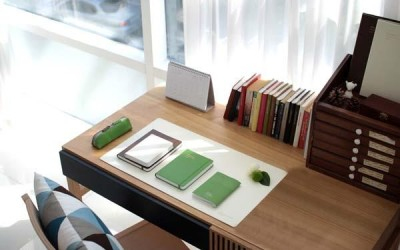 Using Desk Mats and Pads as Creative Desk Organizers