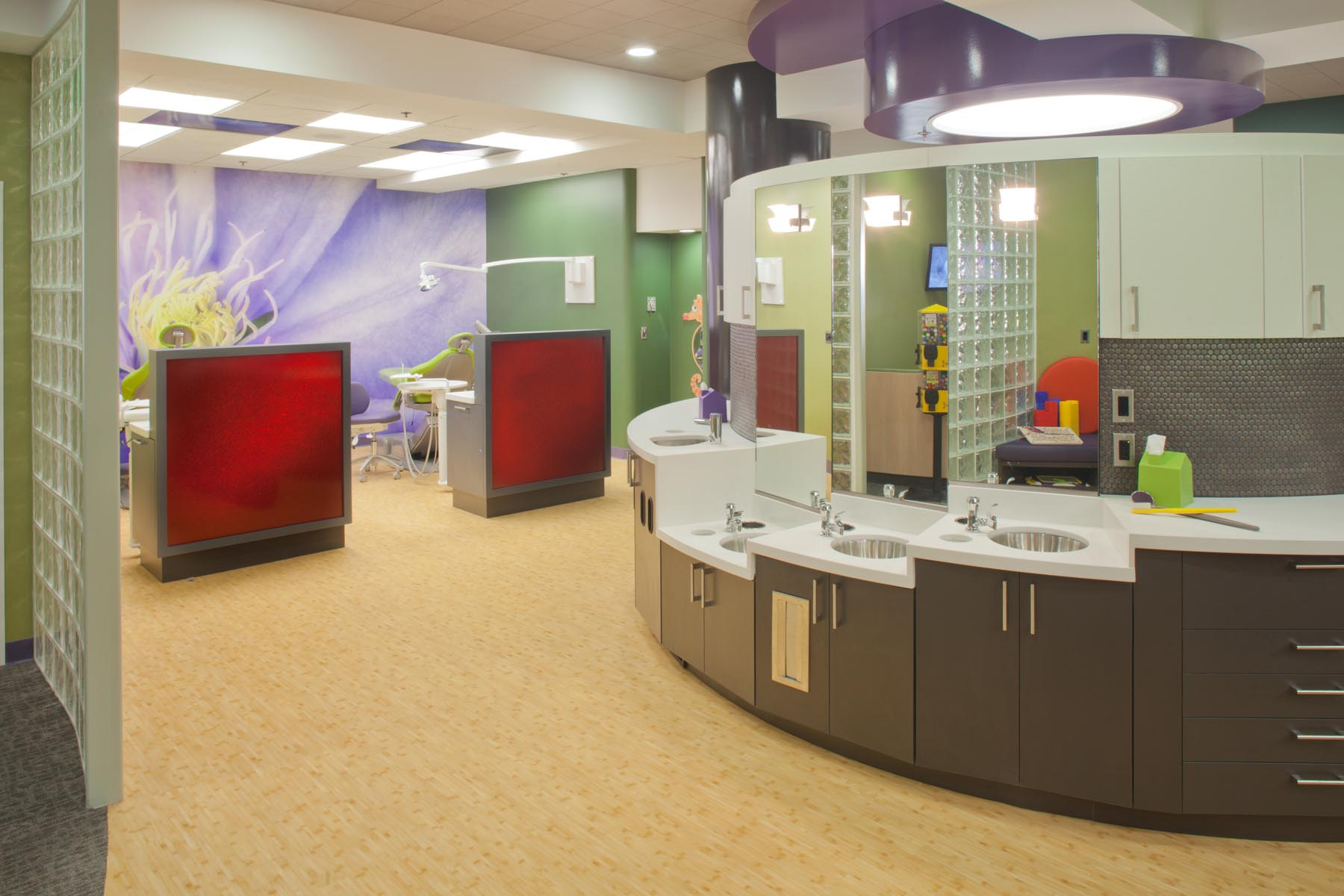 Efficient Office Layout Of Dental Office Interior Design
